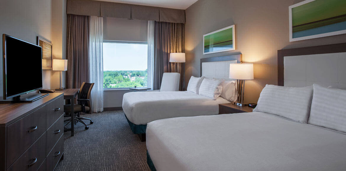 Two Queens Deluxe in Holiday Inn Cleveland Clinic, Ohio