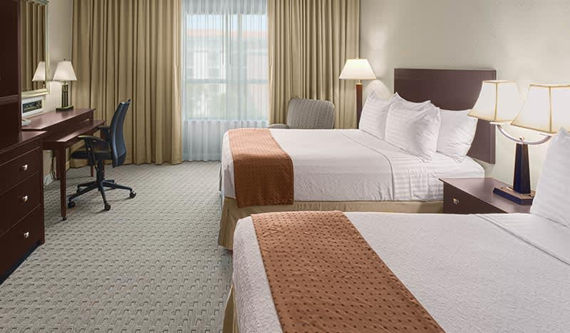 Holiday Inn Baton Rouge College Drive I-10 Hotel, Louisiana 2 Doubles On Executive Level