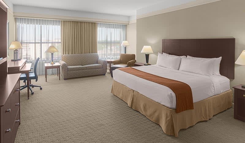 Junior Suite at Holiday Inn Baton Rouge College Drive I-10 Hotel, Louisiana