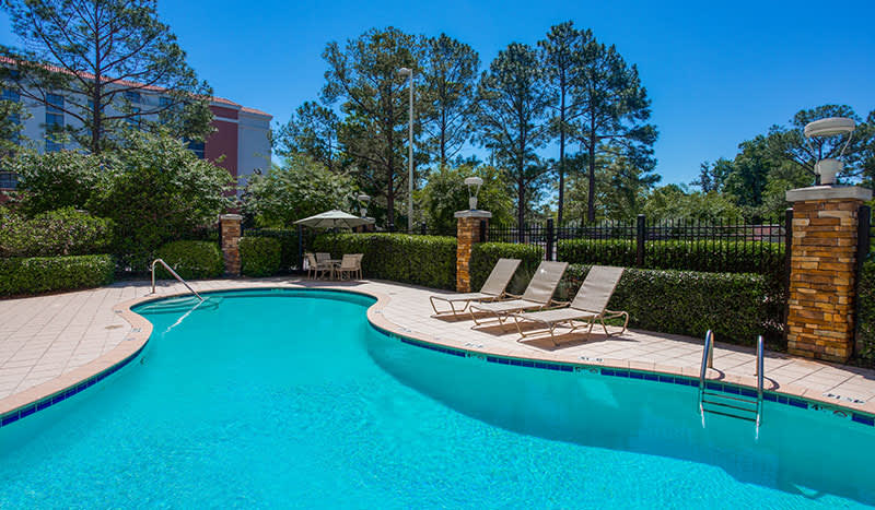 Holiday Inn Baton Rouge College Drive I-10 Hotel, Louisiana Outdoor Swimming Pool