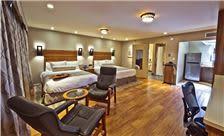 Hotel Strata - 2 Queen Room