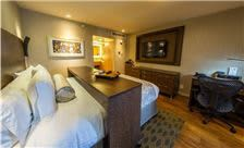 Hotel Strata Room - Deluxe King Room