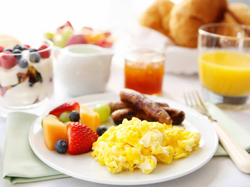 Complimentary Breakfast at Mountain View, California Hotel