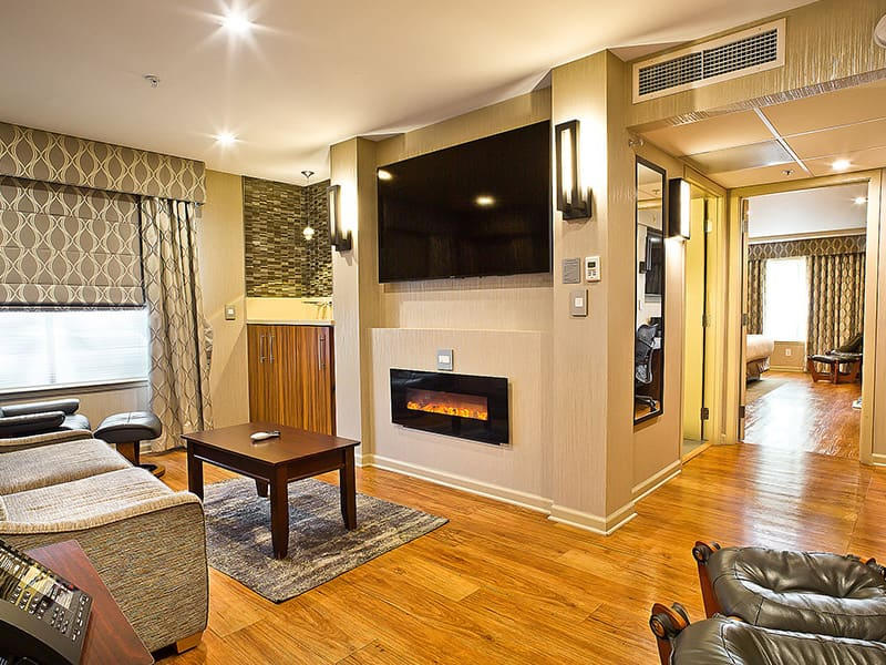 2 King Suite at at Hotel Strata, Mountain View