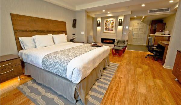 Hotel Strata King Executive at Mountain View