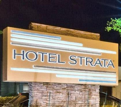 Hotel Strata Video