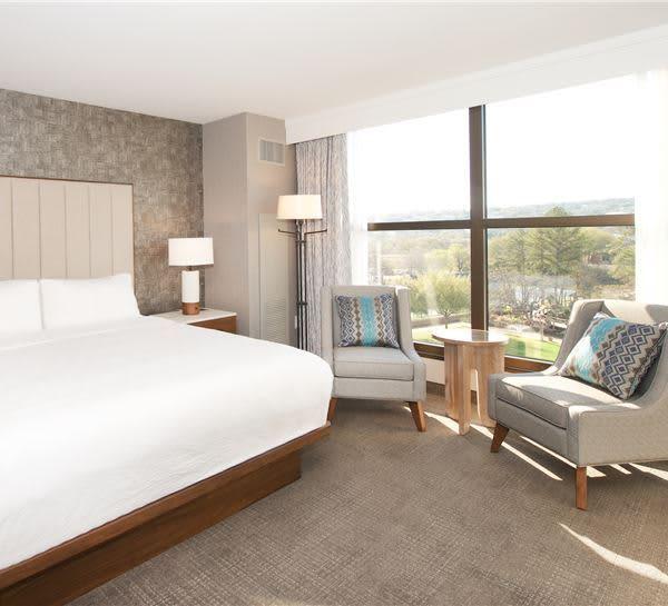 Bowie, Travis or Houston Suites of Horseshoe Bay Resort