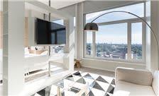 Premium Suite.
