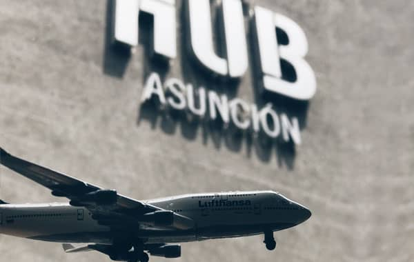 Estaciónese y vuele en el Hotel Asunción