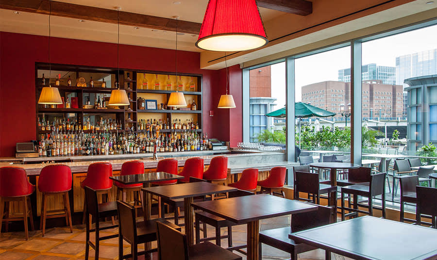 Discover the Best Boston Waterfront Restaurants
