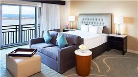 lakeway-resort-and-spa-austin-deluxe-king-accommodations
