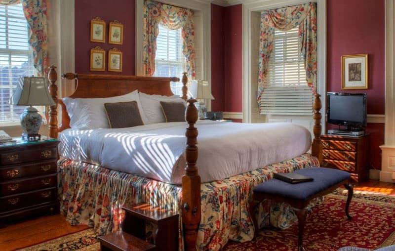 Reserve one night and stay for free the second night