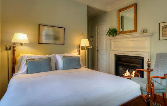 The Francis Malbone House, Newport Gardenside Room 4