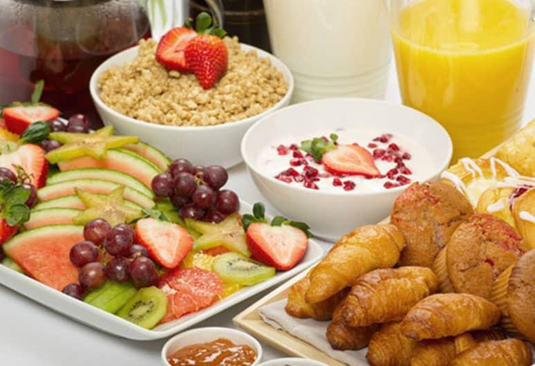Enjoy Complimentary Breakfast At The Francis Malbone House, Newport
