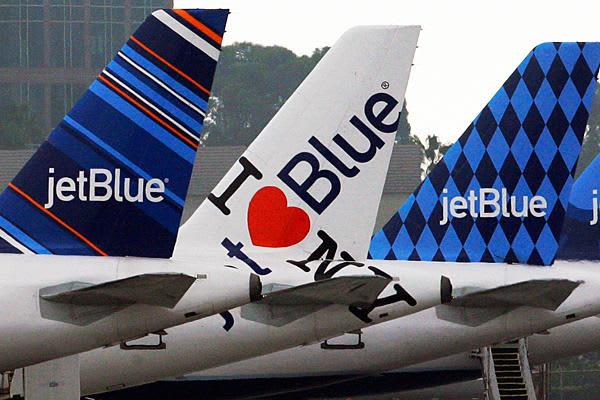 JetBlue-flights-tarmac_full_600