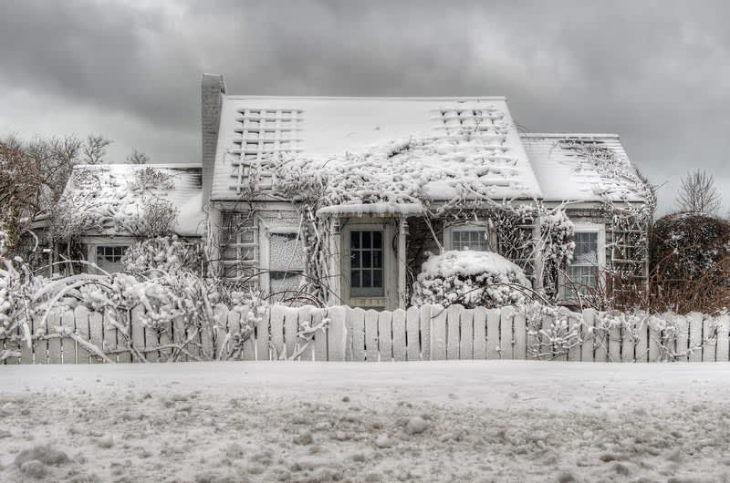 Polpis_Cottage_in_Winter_(GH)-(ZF-6790-14365-1-001)
