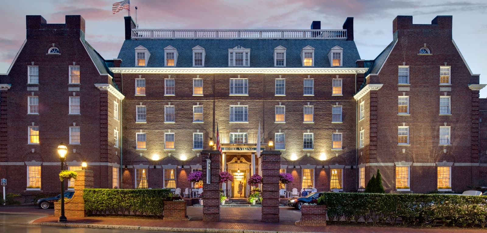 Exterior Shot of Hotel Viking in Newport, Rhode Island