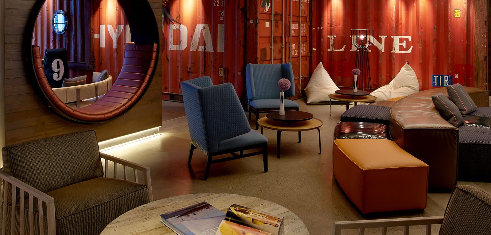 Interior Shot of Lobby Bar at Hotel Zephyr