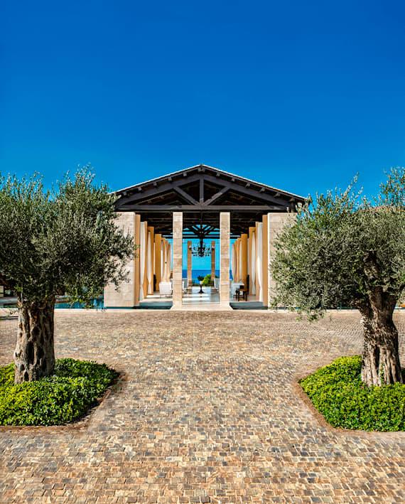 The Romanos Lobby