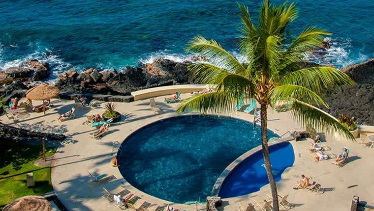 Swimming Pool & Saltwater Lagoon of hawaii Resort