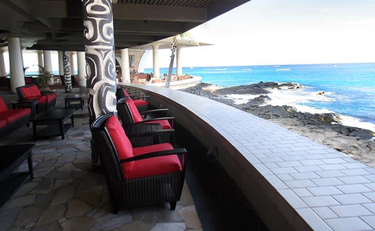 Don's Breezeway Lounge at hawaii Resort