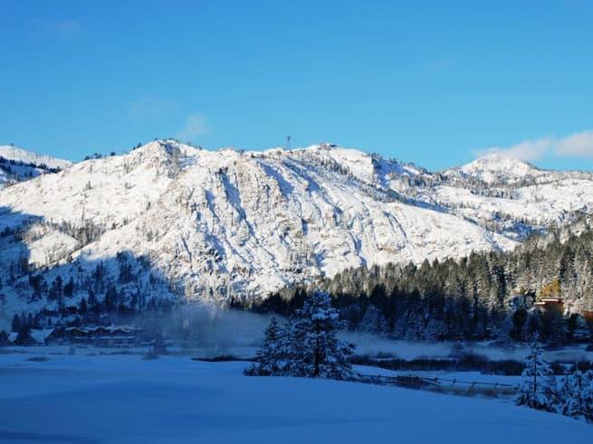 January White Sale: Ski Free Package!
