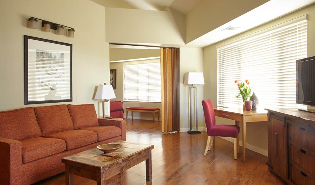 Rooms and Suites at Squaw Valley Lodge, Olympic Valley