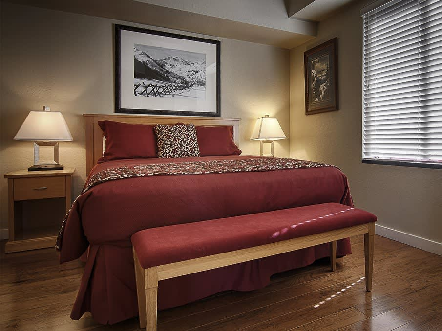 Squaw Valley Lodge, Olympic Valley offers One Bedroom Suite
