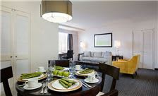 State Plaza Hotel - Suite