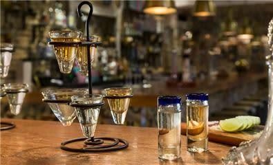tequila tasting_Lacantina1910