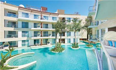 villa pool essence