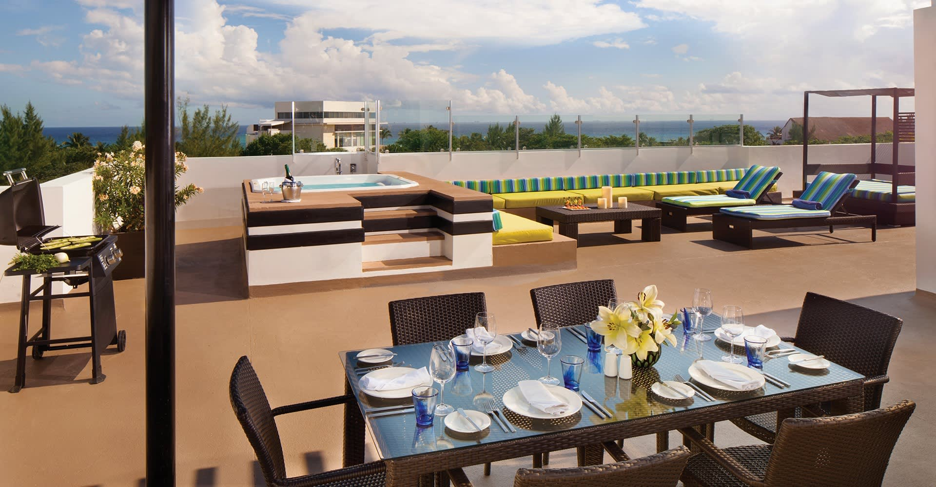 The Fives Beach Hotel, Playa del Carmen dining Facilities