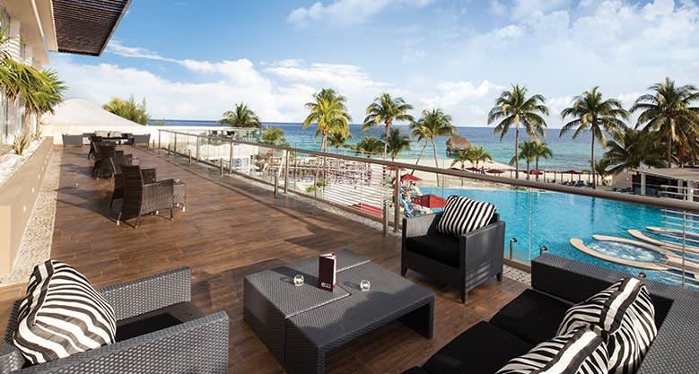 Dining Facilities in The Fives Beach Hotel, Playa del Carmen