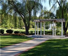 wedding-pergola-2-at-turf-valley-resort