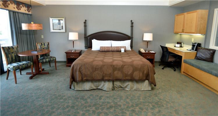 Turf Valley Resort, Maryland King Executive Suite