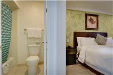 Queen Bed Bathroom