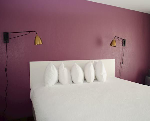 Vagabond Inn - Palm Springs King Bed