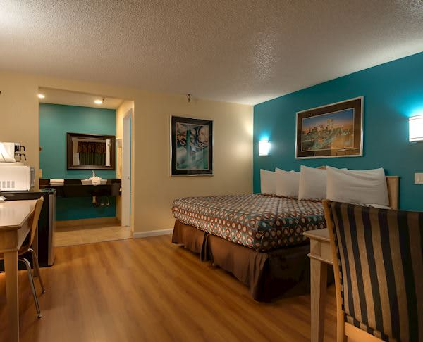Vagabond Inn - Bakersfield (South) Non-Smoking Premium King
