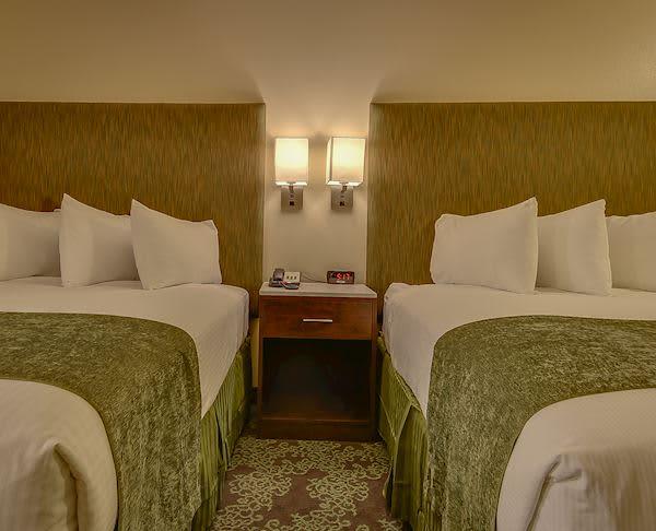 Vagabond Inn - Bishop Two Queen Beds