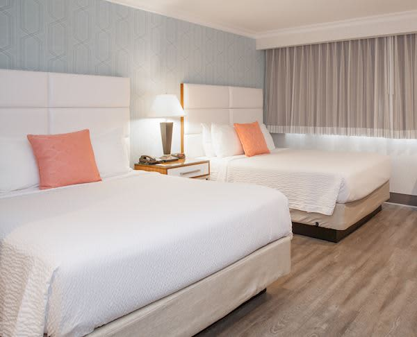 Vagabond Inn Executive - Pasadena Two Queen Beds