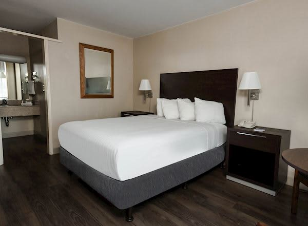 Vagabond Inn - Oxnard Rooms