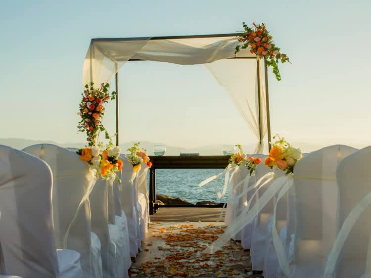 Espigón para bodas en Puerto Vallarta, Hotel Velas Vallarta
