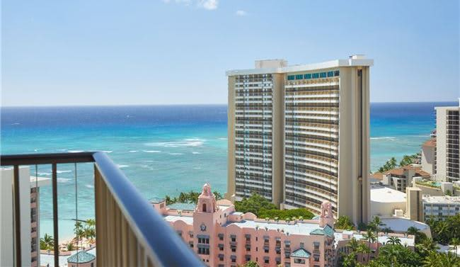 Rooms of Waikiki Beachcomber by Outrigger, Hawaii