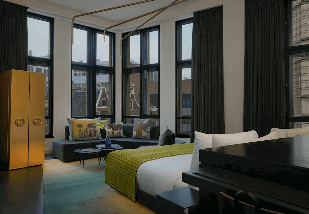 Bed in Studio Suite in het Bank gebouw