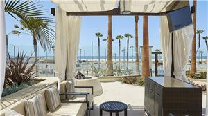 gallery-hubwh-driftwood-beach-club-cabana