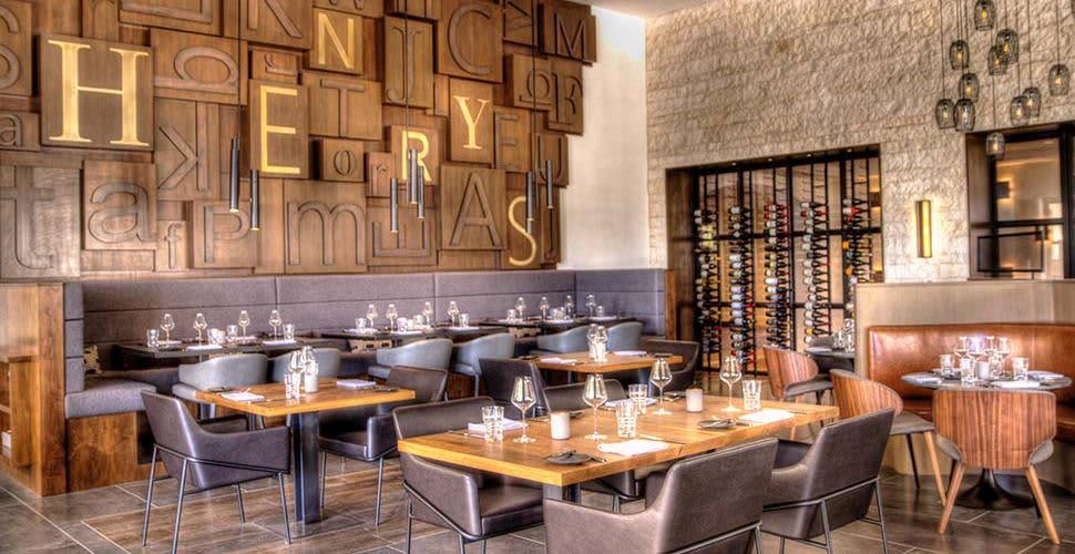 Henry's Restaurant in Huntington Beach