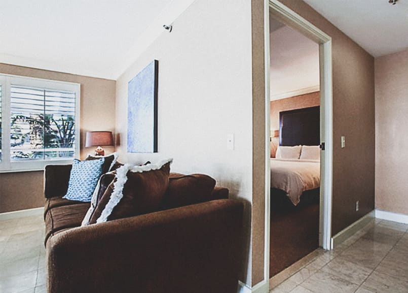 Waterfront Beach Resort - a Hilton Hotel, Huntington Beach One Bedroom Suite