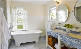 Residence's Master Bathroom
