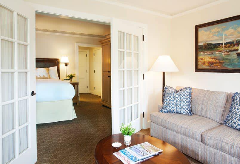 White Elephant Hotel, Massachusetts King Bedded Non Harborview Suite