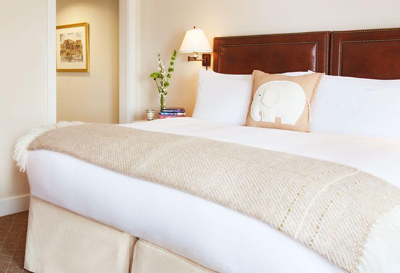 White Elephant Hotel, Massachusetts King Bedded Room Handicap Accessible